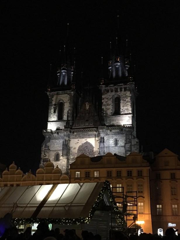 Týnin Marian kirkko, joulutori, vanhakaupunki, Staré mesto, Praha, jouluvalot, kaupunkiloma, Eurooppa, Disney