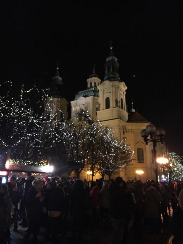 Pyhän Nikolauksen kirkko, vanhakaupunki, Staré mesto, Praha, kaupunkiloma, joulutori, jouluvalot