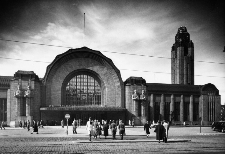 2784 -261 . N63347, Helsinki, rautatieasema