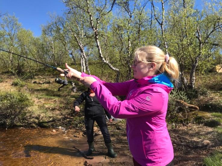 Giellajohka, Inari, Lappi, Explore Inari, kalassa, kalastus, kalastusloma, virvelöinti, uistelu, Aksujärvi