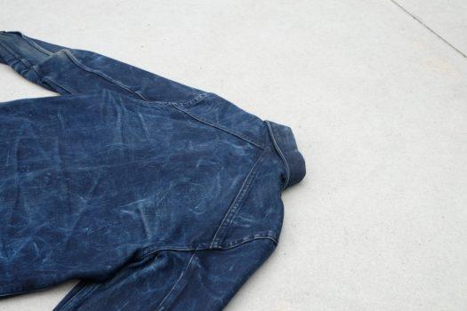 Crossed yoke back detail