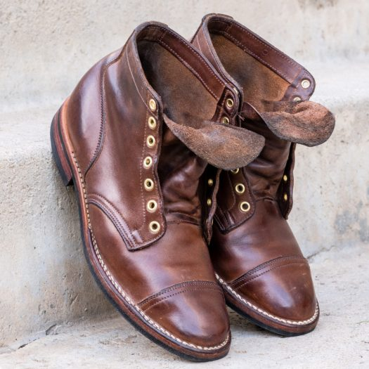 Natural Chromexcel, Partially structured toe, 7 brass eyelets, straight captoe