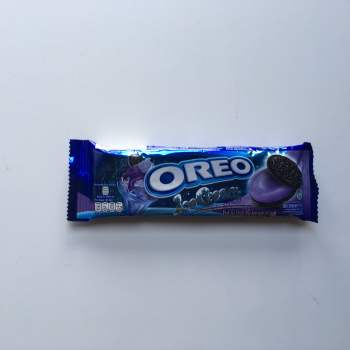 Oreo Blueberry Ice Cream Cookies (29g) from auntie Ammies American candy Shop
