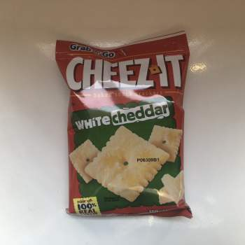 Cheez Its White Cheddar (85g) From Auntie Ammies American Candy Shop