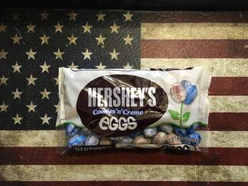 Hershey's Cookies 'n' Creme eggs (226g) From Auntie Ammies Candy Store