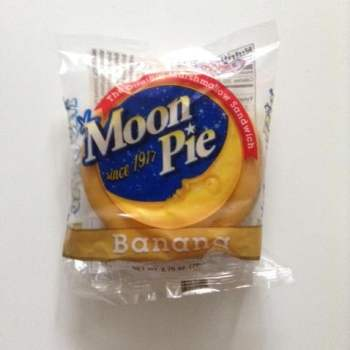 Chatanooga Moon Pie Banana from Auntie Ammie's American Candy store UK