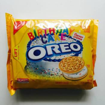 Nabisco Oreo Birthday Cake from Auntie Ammie's American Candy store UK