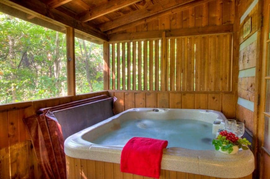 3 Great Reasons To Stay In Our Romantic 1 Bedroom Cabins