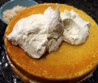 frosting lemon cake