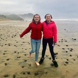 girls on Oregon Coast