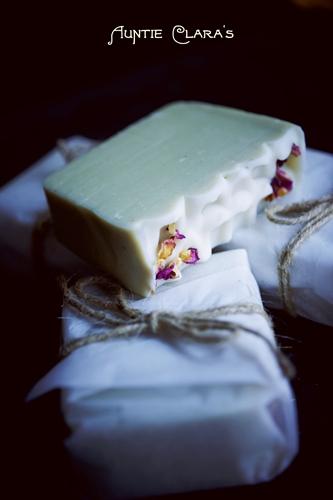 Plantain & Comfrey Soap by Auntie Clara's