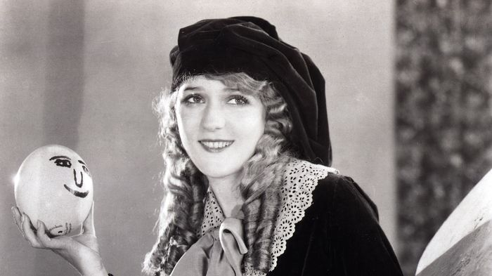 Mary-Pickford-mary-pickford-39087705-1617-2000