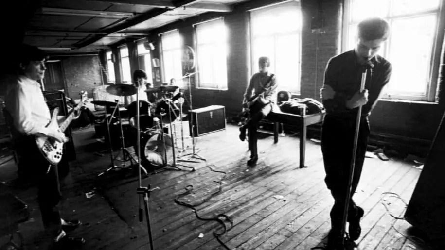 Joy Division, Love Will Tear Us Apart: storia e significato del brano