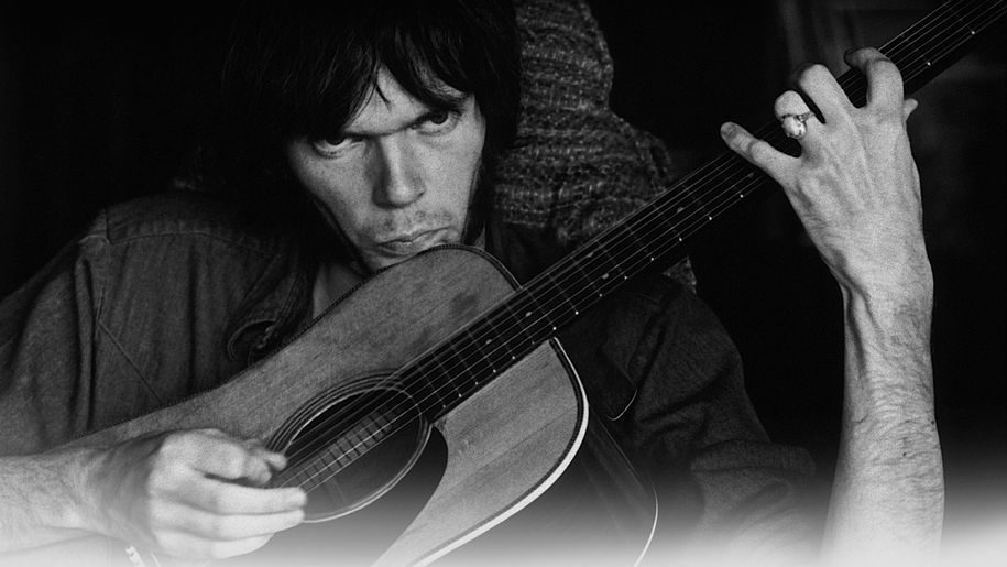 Revolution Blues, Neil Young e l'ombra di Charles Manson