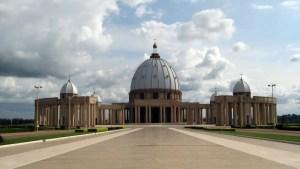 Notre Dame de la Paix: la copia di San Pietro in Costa D'Avorio