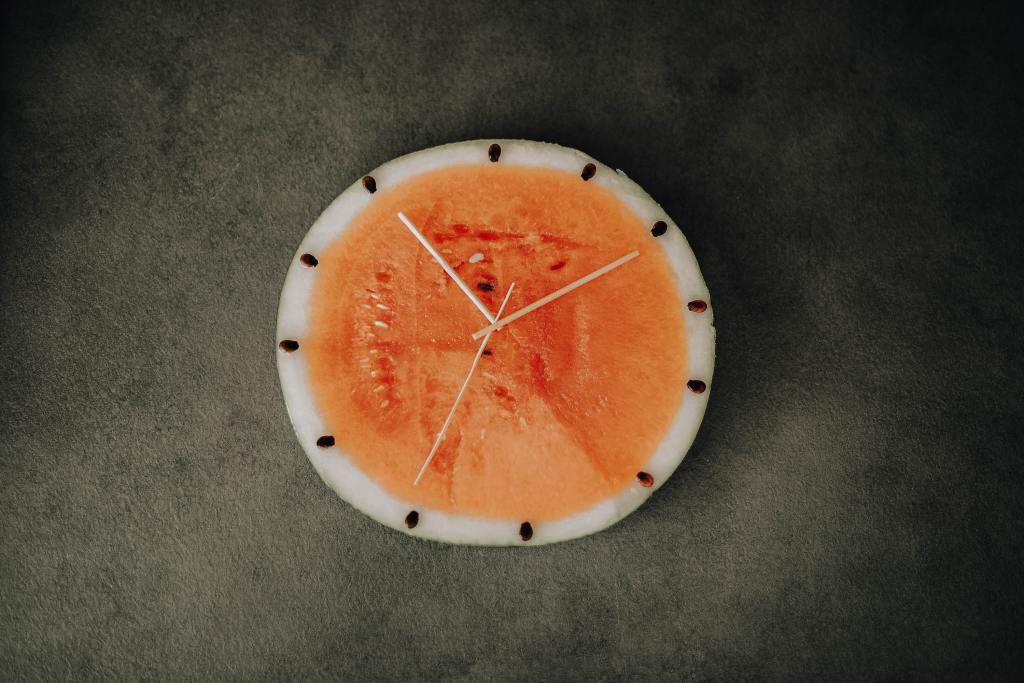 photo of a melon clock to show that I was only allowed to eat at certain times when intermittent fasting.