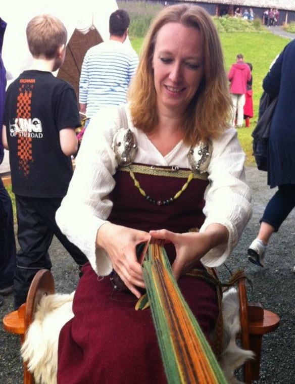 6- wenche Viking tablet weaving 2012