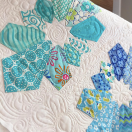 Quilt made with the double wide Dresden Ruler by Me & My Sister Designs, Quilted by Sharon Elsberry - @meandmysisterdesigns