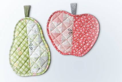 Orchard Hot Pads by Charise Creates