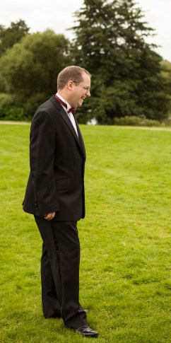 Niall Looking2
