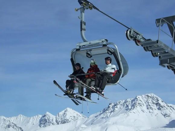 Im Skigebiet von Arosa ist immer was los - In der Skipause gibt es dann vielleicht Capuns