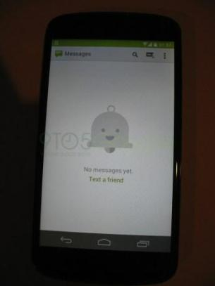 Android 4.4 Messaging App
