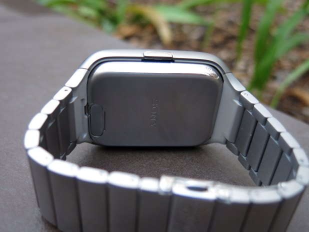 Sony-Smartwatch3-Rear