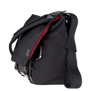 met003-b00130_02-moderate-embarrassment-laptop-messenger-bag