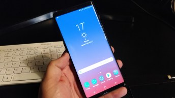 Galaxy Note 9 in hand