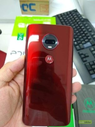 Moto G7 Plus - Red