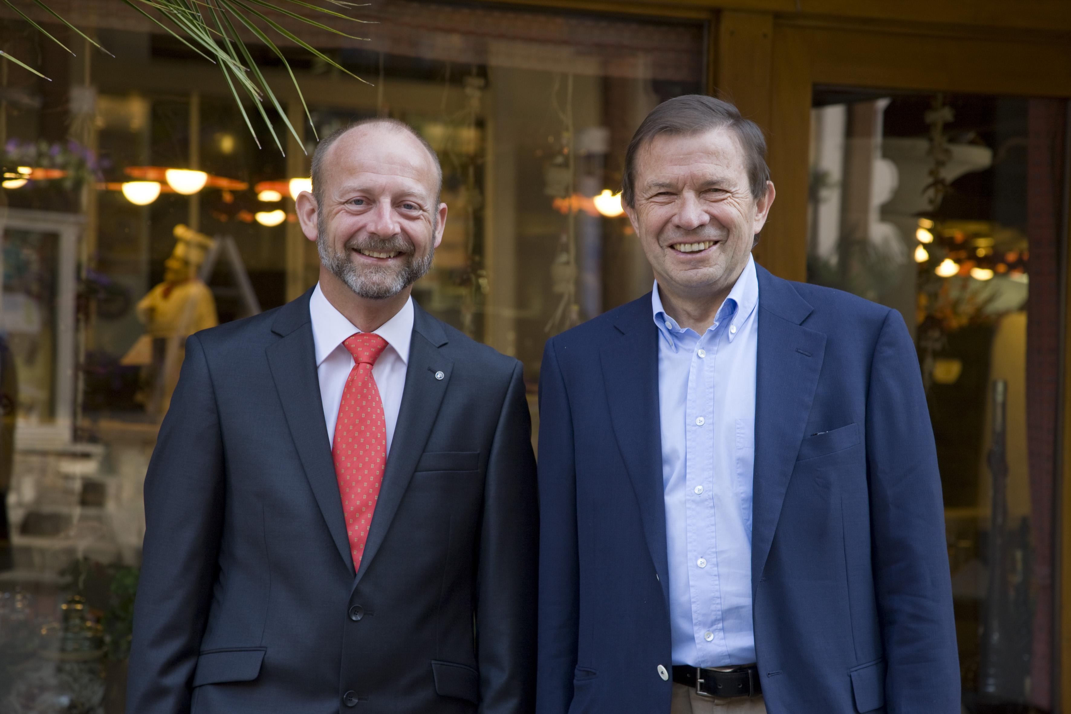 (von rechts) Franz Steinegger, Ehemaliger Präsident STV, Dominique de Buman, Neuer Präsident STV