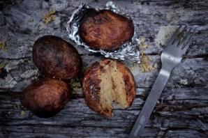 Kartoffeln aus dem Feuer