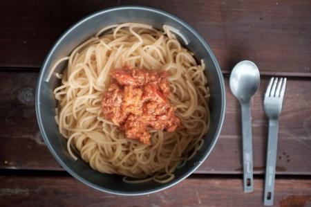 Nudeln mit Thunfisch Tomaten Sauce