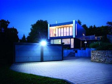 Steinel Sensor LED-Strahler XLED Home 1 weiß - NEU mit neutralweißer Lichtfarbe 4000 K, LED-Scheinwerfer mit 140° Bewegungsmelder und max. 14 m Reichweite, Fluter mit 14,8 Watt und 1020 Lumen, 029654 - 4
