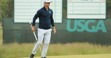 Adam Scott opts for local caddie at US Open
