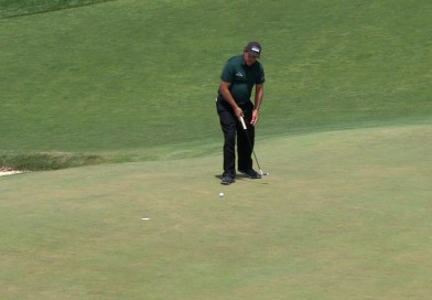 Phil Mickelson deliberately hit a moving ball to take a 2-shot penalty