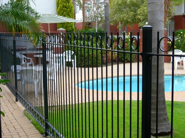 Mandatory requirements for pool fencing in western Swimming pool fencing requirements nsw