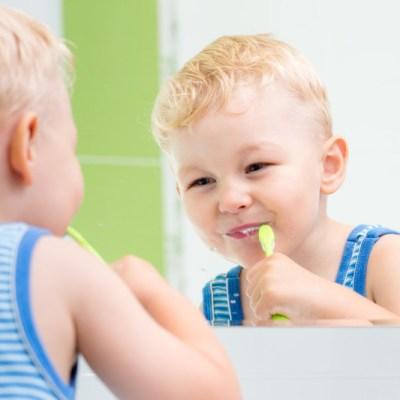 childbrushingteeth