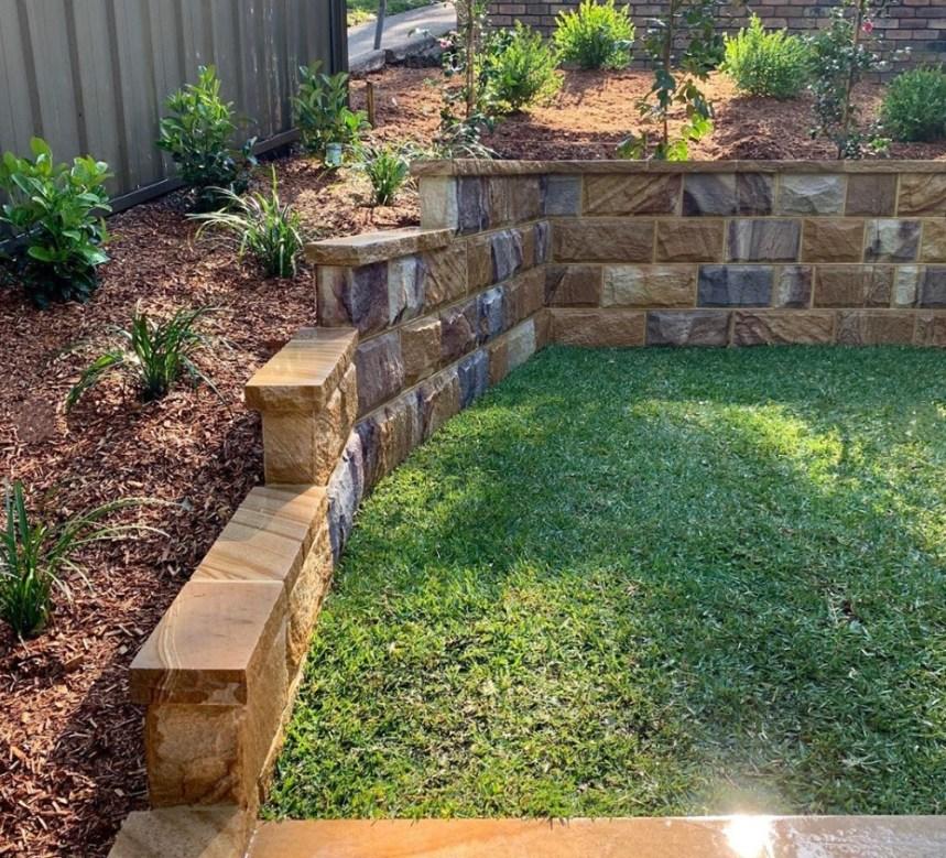 rockface stones, australian sandstone, sandstone walling, sandstone capping, landscaping stones
