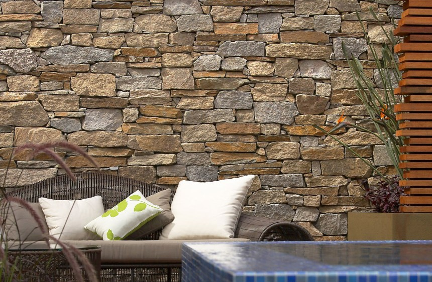 Franklin gold stone walling, cladding stones, wall veneers, mixed granite, irregular shape walling stones