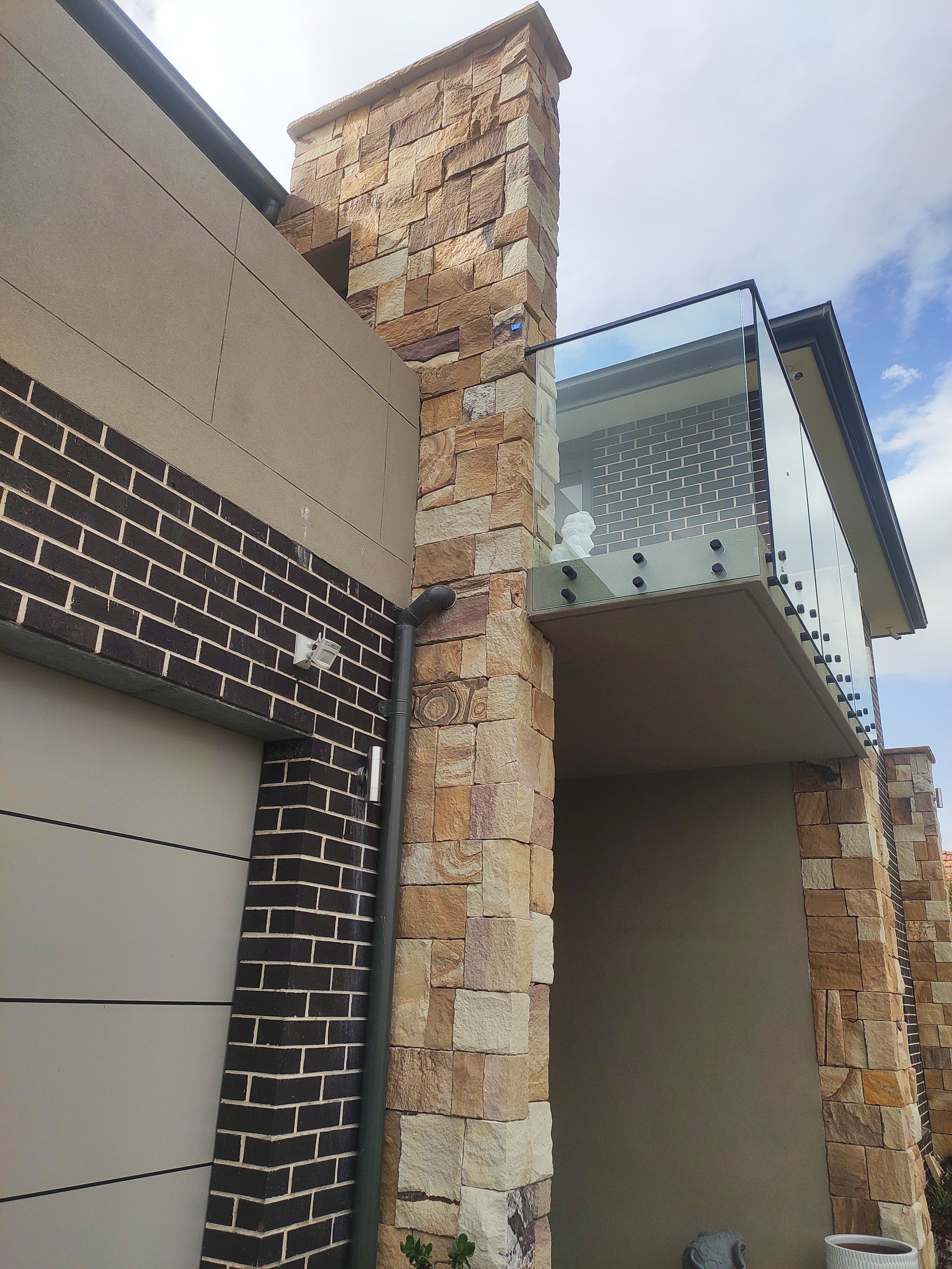 House wall project using Aussietecture Colonial Ranch sandstone walling