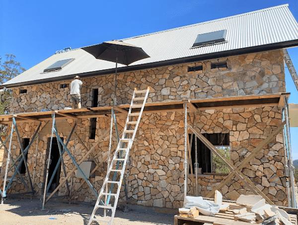 Laverton irregular Limestone walling - stone house