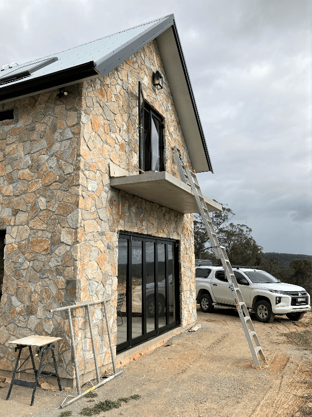 Laverton irregular Limestone wall cladding - stone house