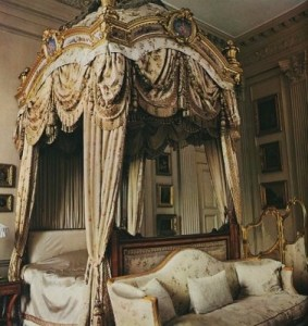 au au lady catherine condescends bed