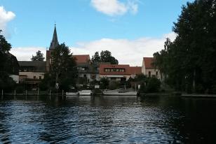 Blick auf die Kirche von Rahnsdorf