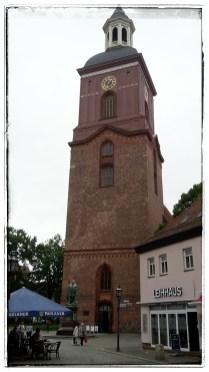 St.-Nikolai-Kirche mit dem Denkmal Kurfürst Joachims II.