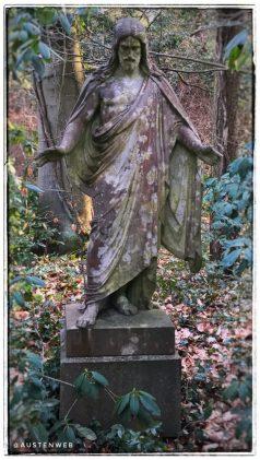 Südwestkirchhof - Statue