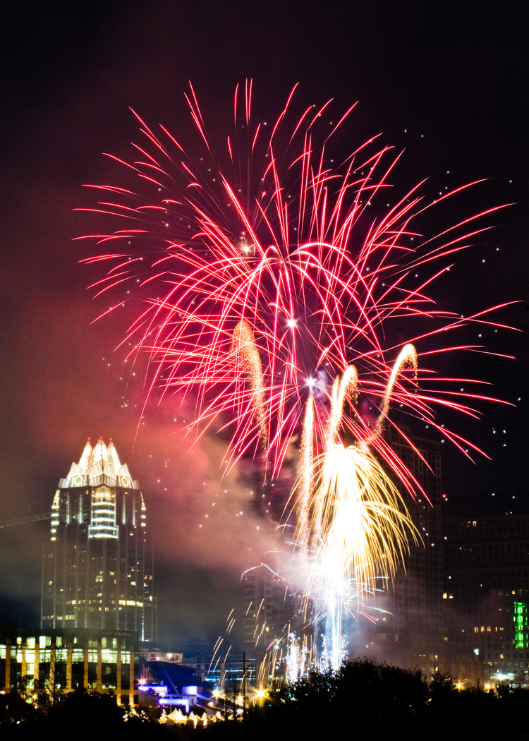 fireworks austin viewpoint lookout viewing frost bank tower artillery shell