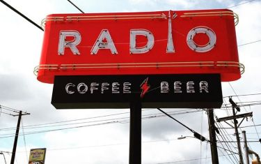 Radio, Coffe & Flea