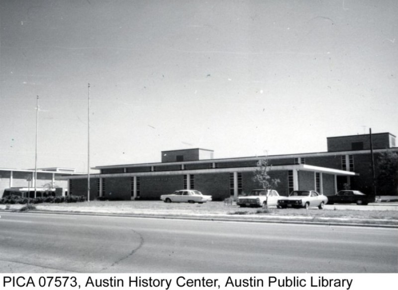 https://texashistory.unt.edu/ark:/67531/metapth124209/